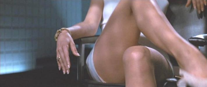 Basic Instinct Tramell about to uncross legs